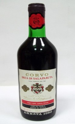 Minha primeira garrafa do Corvo Duca di Salaparuta degustada em 1982 onde ainda era um vinho da Tavola (Vinho de Mesa). Tanti ricordi... (a primeira nunca se esquece e a prova aí está )